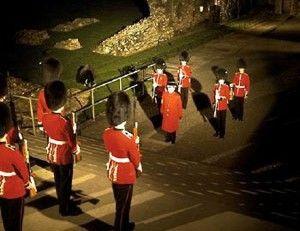 700 metų tradicija: Londono Tauerio užrakinimo ceremonija