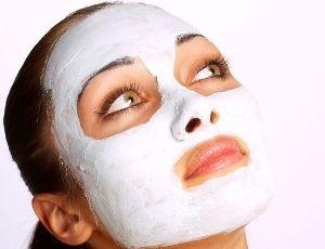 Veido kaukės iš natūralių produktų