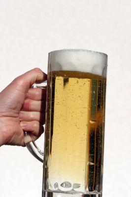 Kas leistina ir kas ne: apie alkoholio vartojimą Jungtinėje Karalystėje