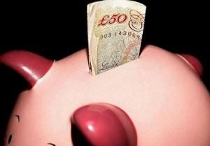Pašalpos ir pajamos Anglijoje – kas keisis šiemet?