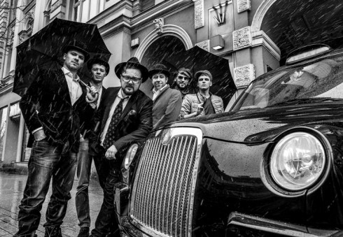 """Teatro """"Kitas Kampas"""" aktoriai nebegali daugiau nebevažiuoti į Londoną"""