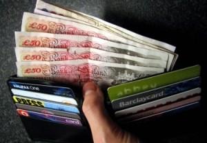 Ar papildys Anglijos lietuvių kišenes naujas JK biudžetas?