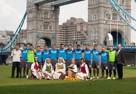 Londono futbolo ekipos paguldė ant menčių abi Liverpulio komandas