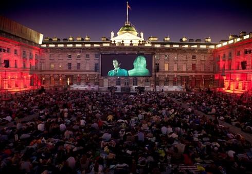 Londonas kviečia vasarą pasinerti į kino pasaulį