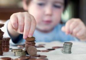 Vienišiems tėvams Anglijoje – nauji mokesčiai prašant alimentų