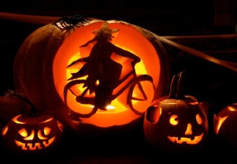 Halloween'as ant dviejų ratų!