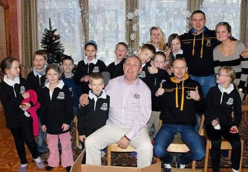 Anglijos lietuvių parama nudžiugino Vilniaus globos namų ir Regbio akademijos auklėtinius