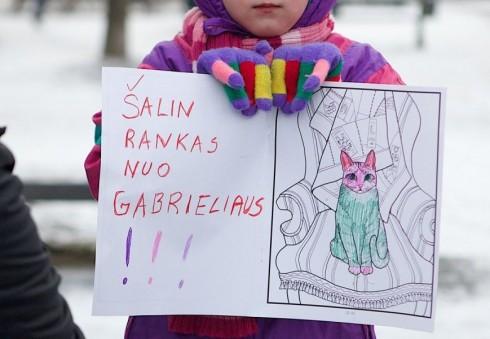 """""""Aš Esu Gabrielius!"""" - JK lietuvių protesto akcija prie Norvegijos ambasados Londone [PAPILDYTA; VIDEO]"""