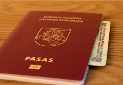 Įstatymas galioja, bet ne ambasadoje: Londono lietuvė tapatybės kortelės negavo