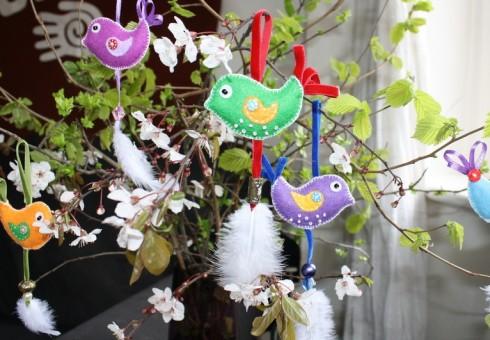 Londono lietuvė kviečia į velykinių dekoracijų siuvimo dirbtuves