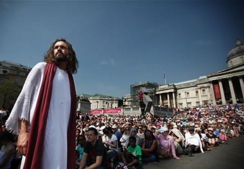 """Velykinį savaitgalį Londone pradės įspūdingas spektaklis """"Jėzaus kančia"""""""