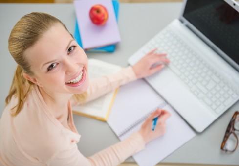 4 trumpos ir naudingos pamokos besimokantiems anglų kalbos