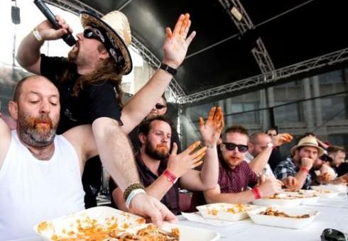 Grillstock festivalis net ir vegetarus privers pamilti mėsą