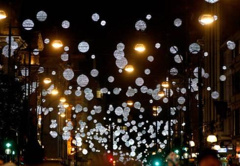 Londonas pradeda ruoštis Kalėdoms