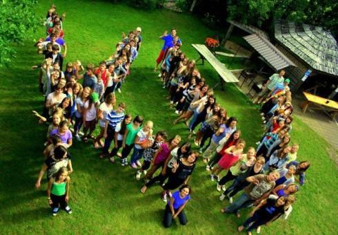 Moksleiviai kviečiami į lyderystės stovyklą