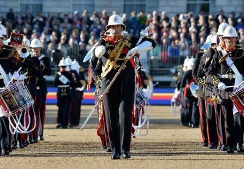 Londonas judės karališkųjų pajėgų būgnininkų ritmu