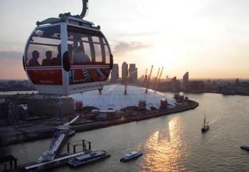 Kelione virš Temzės upės atraskite Londoną iš paukščio skrydžio