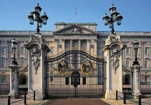 Apsilankymai karalienės rūmuose – jau netrukus