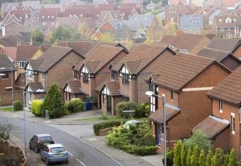 Emigranto dienoraštis: gyvenimas su anglais kaimynystėje