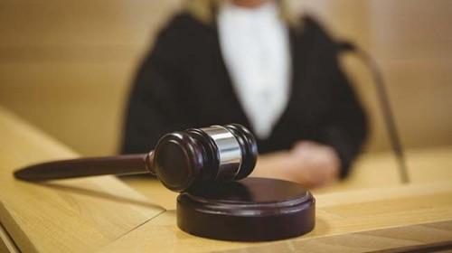 Lietuvė teisininkė JK įsidarbino valytoja, kad paduotų darbdavius į teismą