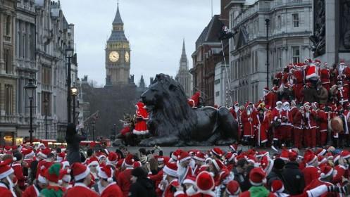 Savaitgalį Londoną užplūs Kalėdų seneliai