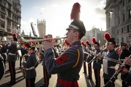 Dalyvaukite naujametiniame Londono parade