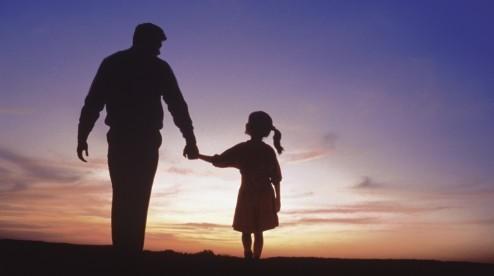 Padėkite mergaitei surasti Anglijoje gyvenantį tėvą