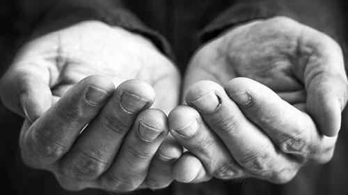 Ištieskite gerumo ranką ir padėkite Lietuvoje vargstantiems žmonėms