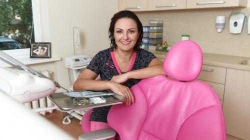 Turėti naujus dantis užtenka vos vienos kelionės į Lietuvą