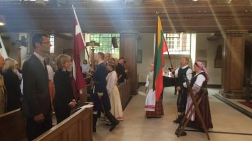 Tremties aukų atminimui – jungtinės pamaldos Londono St. James bažnyčioje
