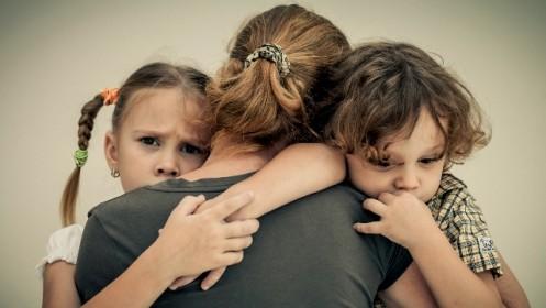 Vieniša motina prašo pagalbos: reikalingi rūbai, avalynė ir pinigai