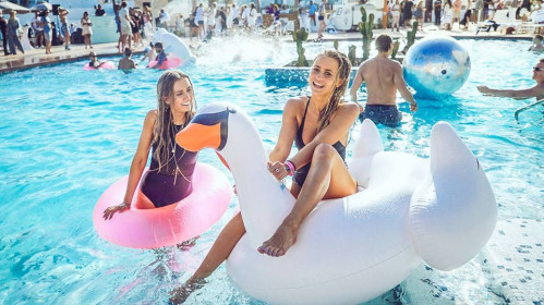 Pats didžiausias vakarėlis baseine - Londone