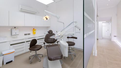 Londone Fulham rajone duris atvėrė nauja lietuvių odontologijos klinika
