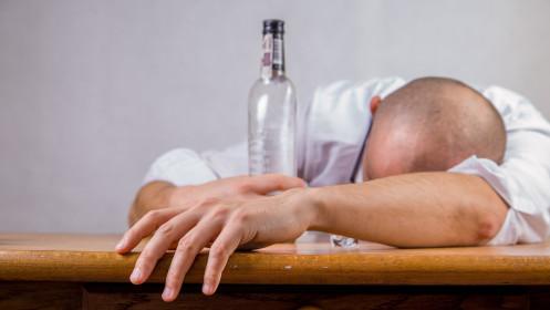 Anoniminių Alkoholikų draugija JK kviečia prisijungti norinčius nugalėti potraukį svaiginimuisi