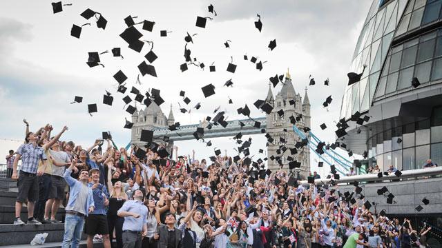 Studijos Londone – visiems prieinamas europietiško lygio aukštasis išsilavinimas