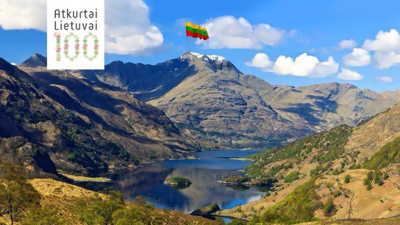 Kaip 100 vyrų Škotijos kalnuose Lietuvos trispalvę kėlė