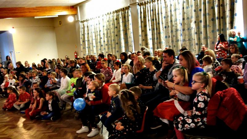 Hull'o mieste nuskambėjo viesulingos lietuviškos Kalėdos