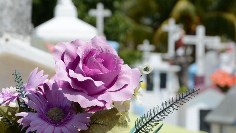 Grįžusių emigrantų laidotuvių mados – keistos ir neįprastos