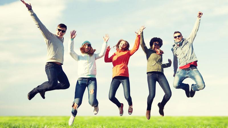 Laimingiausiais JK gyventojai jaučiasi būdami 16 ir ... 70