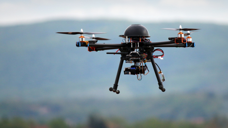 JK policija įtaria, kad dronų chaosą Gatwicko oro uoste sukėlė nepatenkintas buvęs darbuotojas