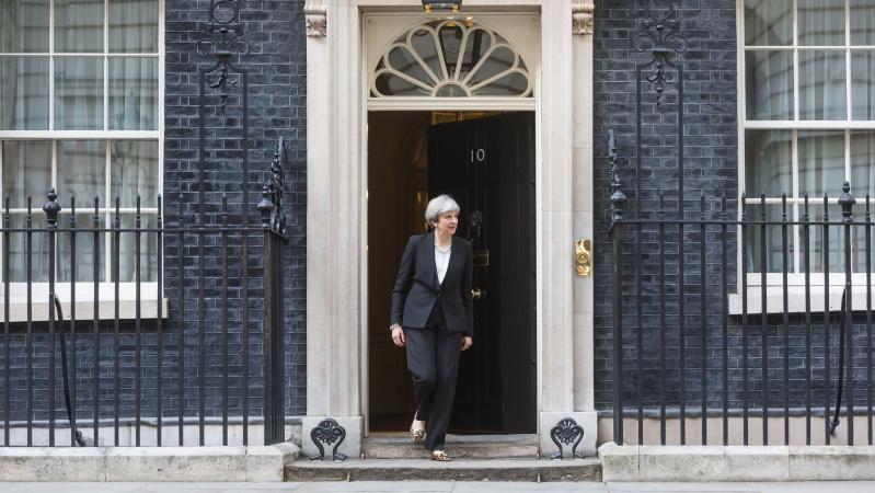 """May pritarė teisiškai privalomiems pokyčiams dėl """"Brexit"""