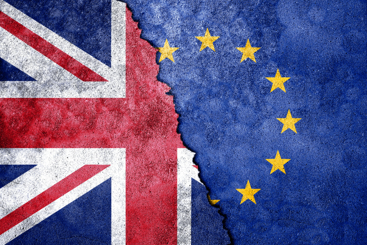 """JK premjerė neketina prašyti Briuselio ilgam atidėti """"Brexit"""""""