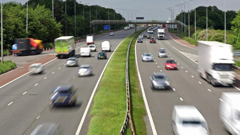 Nuo balandžio 1 d. JK didėja mokesčiai už automobilį: sužinokite, kiek teks mokėti