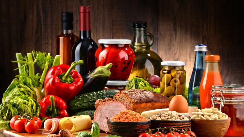 Maisto produktų kainos JK auga sparčiausiai per daugiau nei penkerius metus