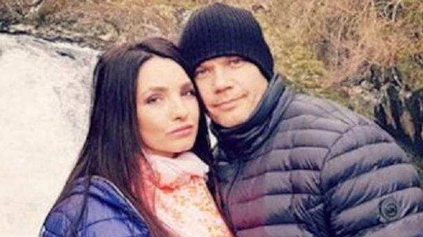 Tragedija JK lietuvių šeimoje: apsėstas draugas nužudė moterį ir nusižudė