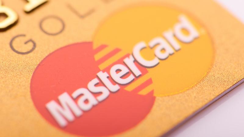 """""""Mastercard"""" byla: beveik kiekvienam JK gyventojui atsivėrė galimybė gauti £300"""