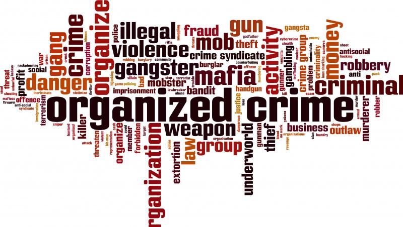 """Ataskaita: organizuoti nusikaltėliai """"pasiglemžia daugiau JK piliečių gyvybių nei teroristai ir karas"""""""