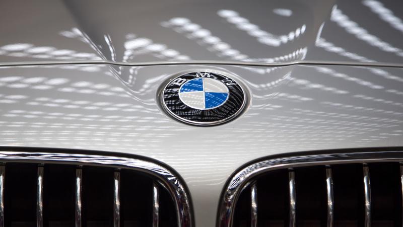 Trys lietuviai JK pripažinti kaltais dėl pusės milijono svarų vertės BMW dalių vagysčių