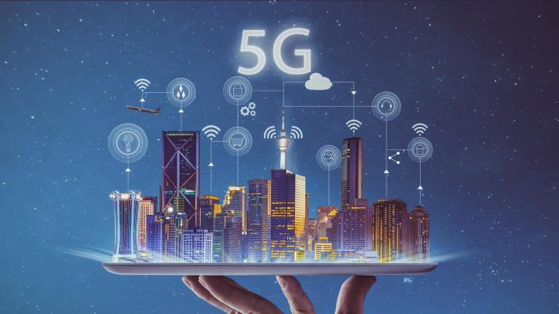 EE jau šį mėnesį paleis pirmąjį JK 5G tinklą