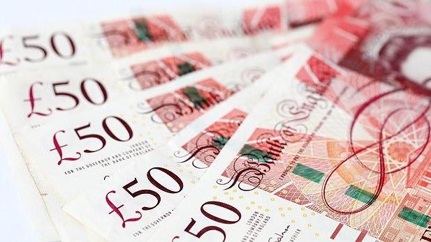 JK centrinis bankas nusprendė ir naujus plastikinius £50 gaminti naudojant gyvūninius riebalus